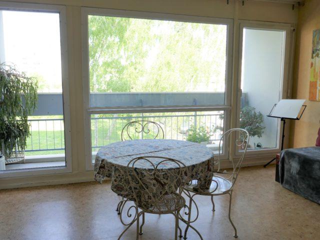 Appartement Angers T2 salon-séjour e-bis-immobilier